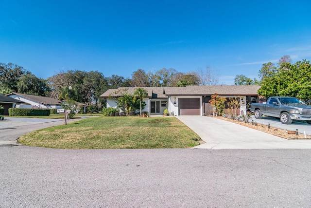 33 Huntley Court, Haines City, FL 33844 (MLS #W7830575) :: The Duncan Duo Team
