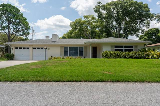 1425 Viewtop Drive, Clearwater, FL 33764 (MLS #W7834743) :: Delgado Home Team at Keller Williams