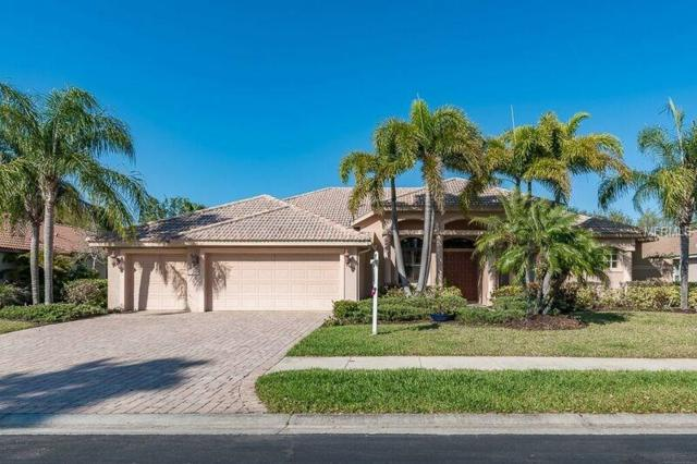 7825 Crest Hammock Way, Sarasota, FL 34240 (MLS #A4210056) :: The Duncan Duo Team