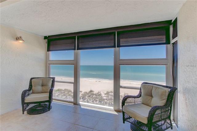 5300 Gulf Drive #306, Holmes Beach, FL 34217 (MLS #A4400024) :: The Duncan Duo Team