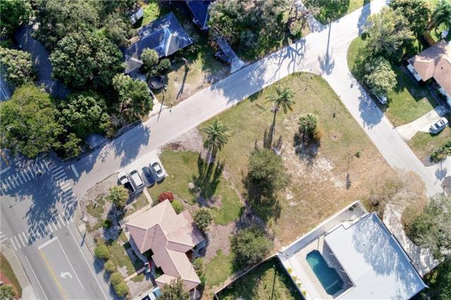 1915 Tulip Drive, Sarasota, FL 34239 (MLS #A4425317) :: Griffin Group