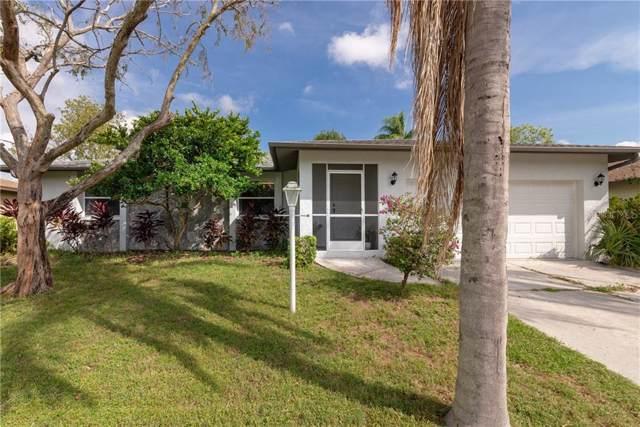 2539 W Scarlet Oak Court, Sarasota, FL 34232 (MLS #A4450370) :: The Light Team