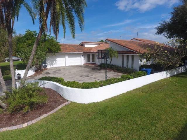 4560 45TH Street S, St Petersburg, FL 33711 (MLS #A4452556) :: The Figueroa Team