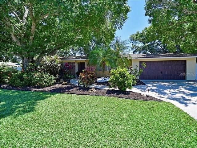 2724 Hyde Park Street, Sarasota, FL 34239 (MLS #A4466310) :: The Duncan Duo Team