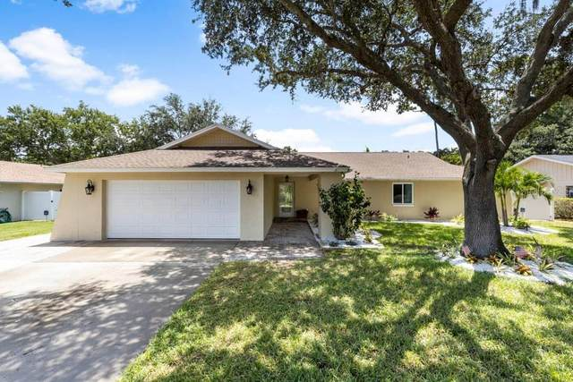 14225 Lark Court, Clearwater, FL 33762 (MLS #A4471827) :: Dalton Wade Real Estate Group