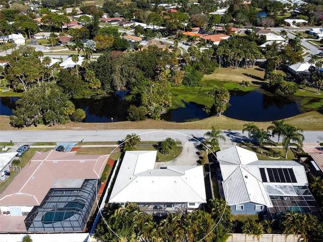 2924 Tuckerstown Drive, Sarasota, FL 34231 (MLS #A4489441) :: Everlane Realty