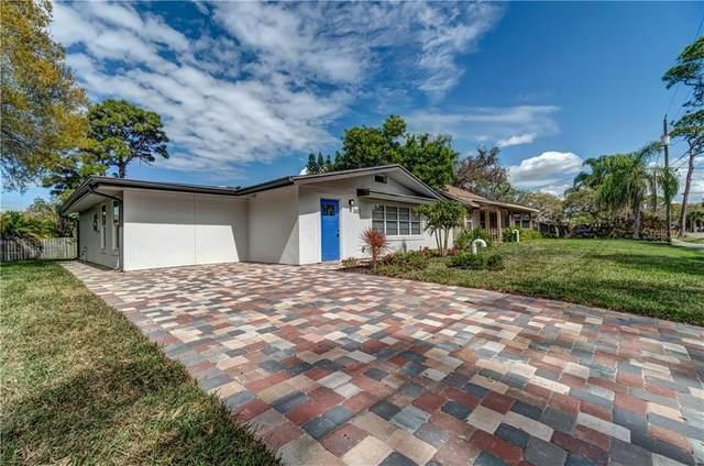 2627 Oakmere Lane, Sarasota, FL 34231 (MLS #A4492274) :: Florida Real Estate Sellers at Keller Williams Realty