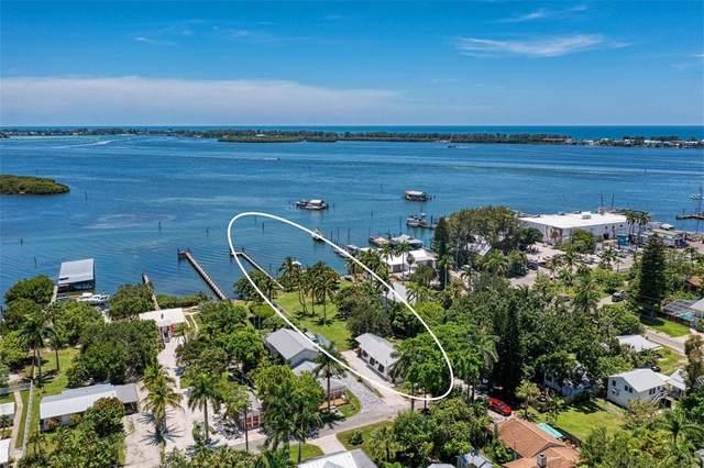 12204 45TH AVENUE Drive W, Cortez, FL 34215 (MLS #A4507929) :: Zarghami Group