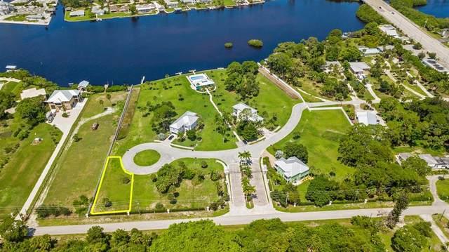 6800 Portside Lane, Englewood, FL 34223 (MLS #A4508861) :: Keller Williams Suncoast