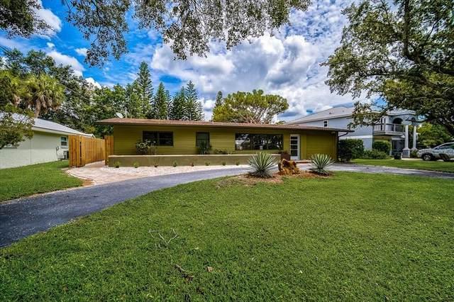 8135 Longbay Boulevard, Sarasota, FL 34243 (MLS #A4512432) :: Zarghami Group
