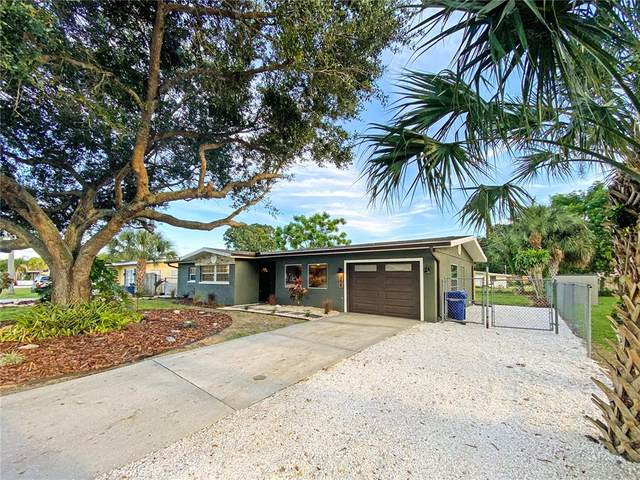 208 Center Road, Venice, FL 34285 (MLS #A4514584) :: McConnell and Associates