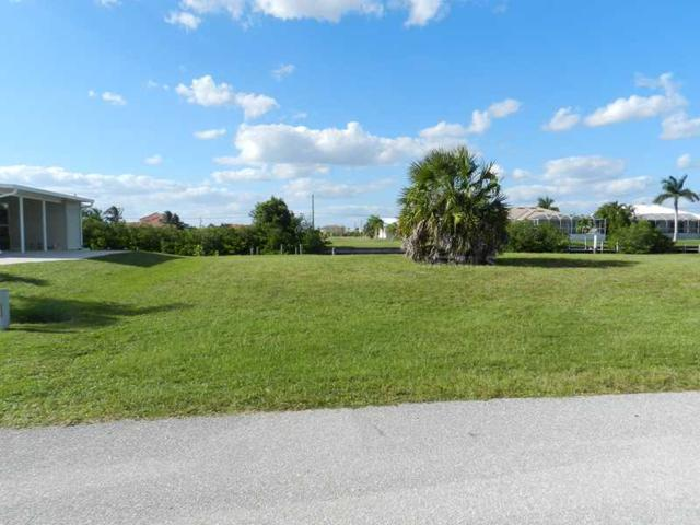 5327 River Bay Drive, Punta Gorda, FL 33950 (MLS #C7038003) :: KELLER WILLIAMS CLASSIC VI