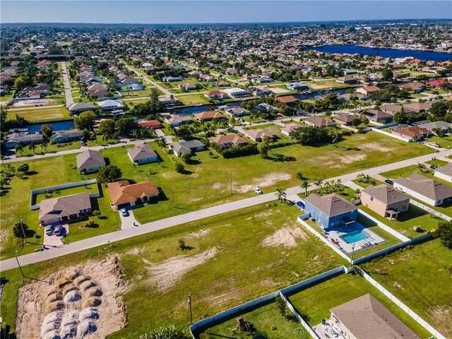 4611 SW 9TH Place, Cape Coral, FL 33914 (MLS #C7434973) :: Delgado Home Team at Keller Williams