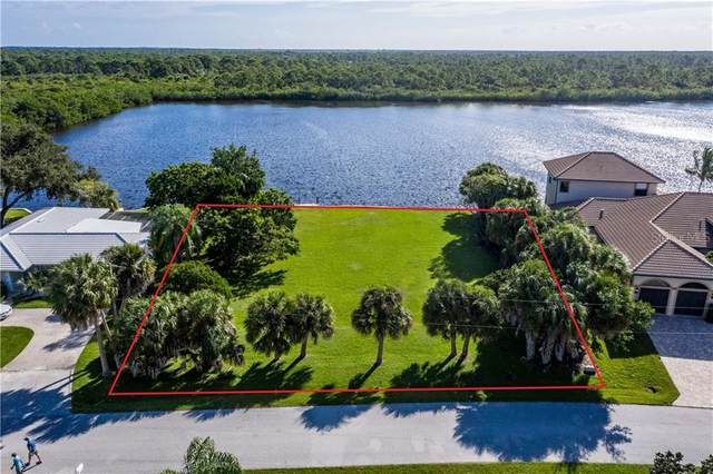 560 Coral Creek Drive, Placida, FL 33946 (MLS #D6114592) :: The Duncan Duo Team