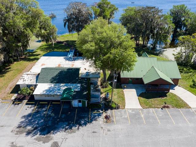 907 Cr 439B, Lake Panasoffkee, FL 33538 (MLS #G5026985) :: The Light Team