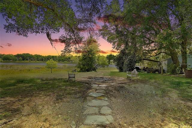 405 W Mirror Lake Drive, Fruitland Park, FL 34731 (MLS #G5042125) :: The Robertson Real Estate Group