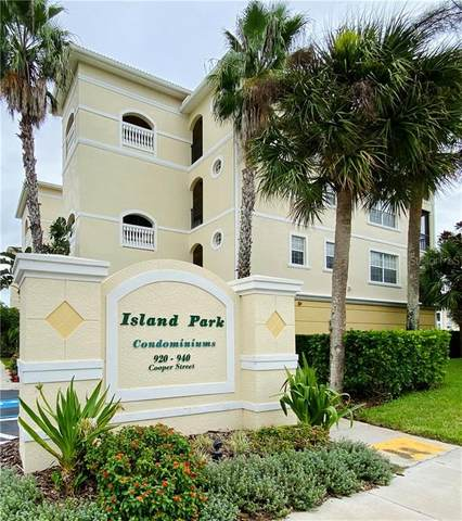 920 Cooper Street #201, Venice, FL 34285 (MLS #N6112373) :: Sarasota Home Specialists