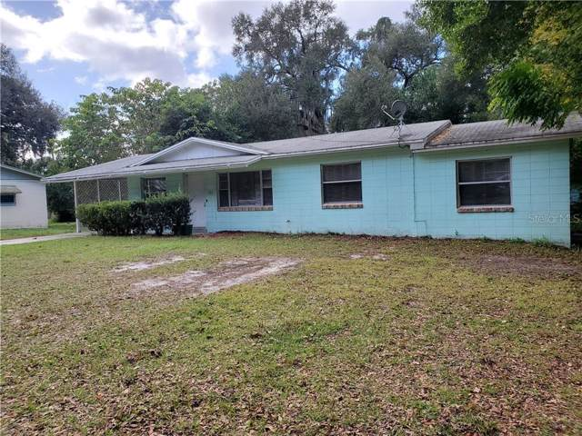 302 N Villa Avenue, Fruitland Park, FL 34731 (MLS #O5832404) :: Griffin Group
