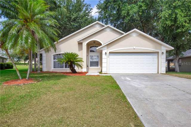 922 Forest Hill Drive, Minneola, FL 34715 (MLS #O5866124) :: Griffin Group