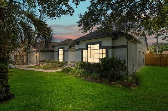 2162 Martingale Place, Oviedo, FL 32765 (MLS #O5880682) :: Griffin Group