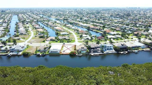 3812 Surfside Boulevard, Cape Coral, FL 33914 (MLS #O5936329) :: Vacasa Real Estate
