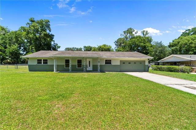 2949 NE 7TH Place, Ocala, FL 34470 (MLS #OM602378) :: McConnell and Associates
