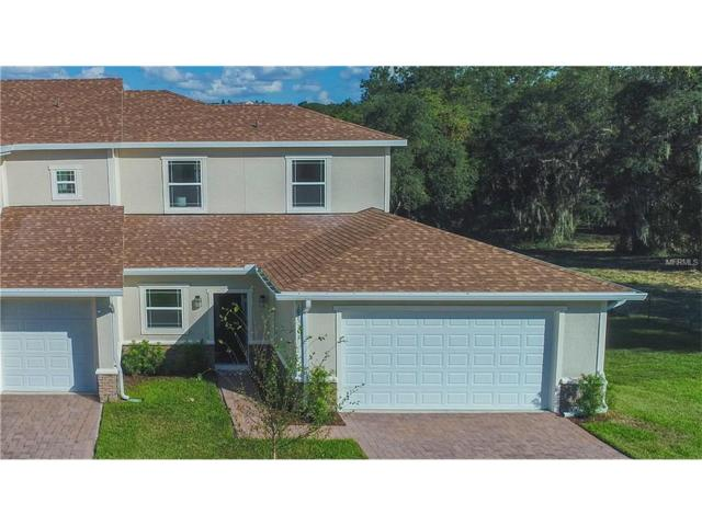 995 S Lakefront Village Drive, Clermont, FL 34711 (MLS #S4853242) :: The Duncan Duo Team