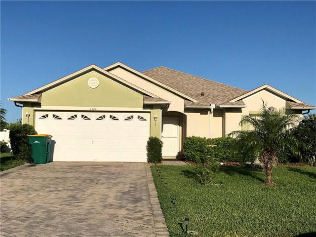 2705 Eagle Glen Circle, Kissimmee, FL 34746 (MLS #S5000685) :: RE/MAX Realtec Group