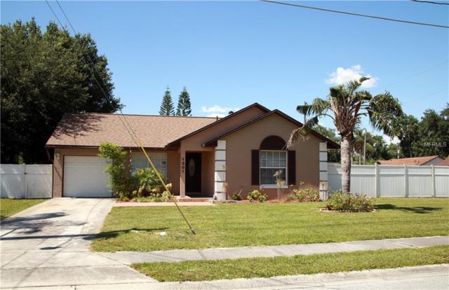 1301 Ernest Street, Kissimmee, FL 34741 (MLS #S5018189) :: The Duncan Duo Team
