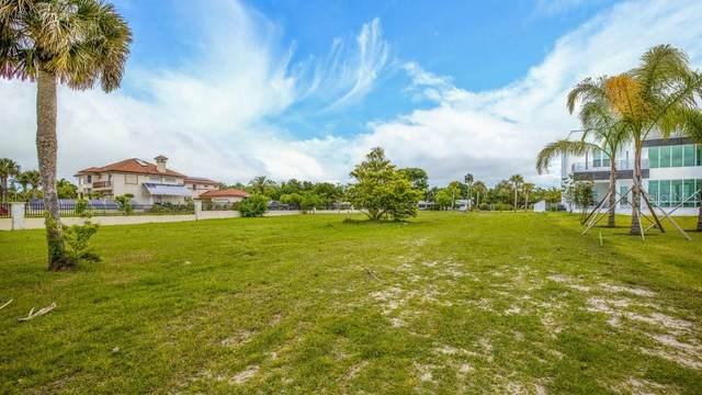 684 John Anderson Drive, Ormond Beach, FL 32176 (MLS #S5050754) :: The Brenda Wade Team
