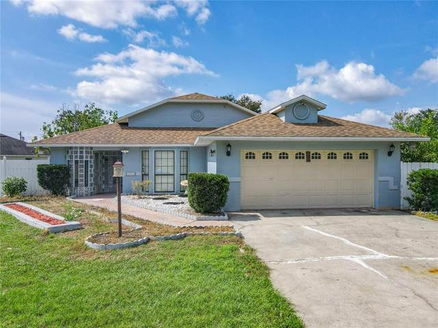 1013 Mayfair Place, Kissimmee, FL 34758 (MLS #S5057423) :: Cartwright Realty