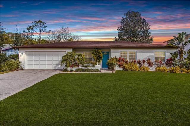 1204 Brandon Lakes Avenue, Valrico, FL 33594 (MLS #T3229475) :: Zarghami Group