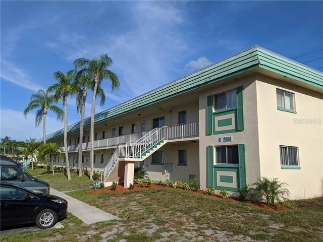 2001 Greenbriar Boulevard #13, Clearwater, FL 33763 (MLS #T3246676) :: Your Florida House Team
