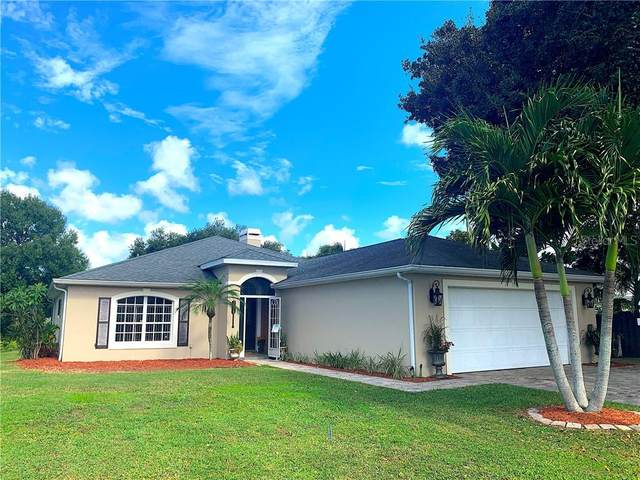 1475 Grand Cayman Circle, Winter Haven, FL 33884 (MLS #T3270643) :: Frankenstein Home Team