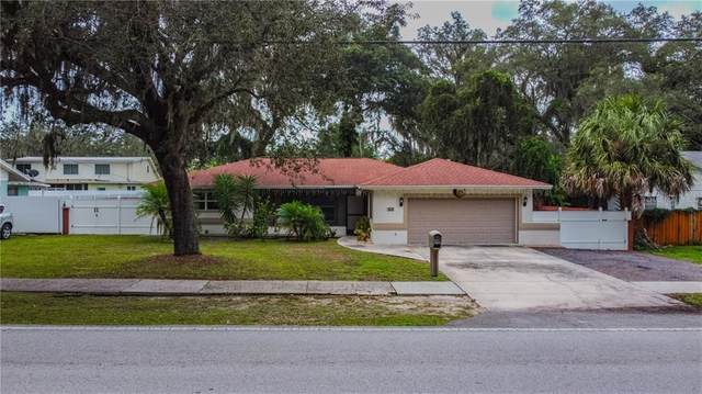 512 Kingsway Road, Brandon, FL 33510 (MLS #T3272290) :: Frankenstein Home Team