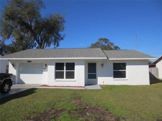 4651 Wisteria Drive, Zephyrhills, FL 33542 (MLS #T3287880) :: The Duncan Duo Team
