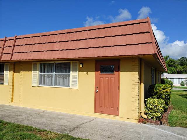 202 Bedford Trail #111, Sun City Center, FL 33573 (MLS #T3320721) :: Frankenstein Home Team