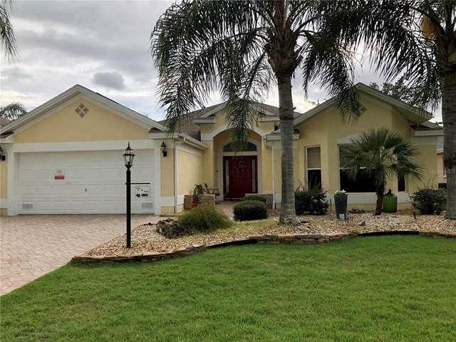 2196 Kershaw Road, The Villages, FL 32162 (MLS #T3330045) :: Realty Executives