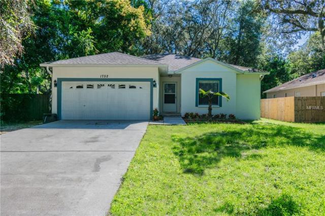 1752 Poinsettia Avenue, Tarpon Springs, FL 34689 (MLS #U8019026) :: The Duncan Duo Team