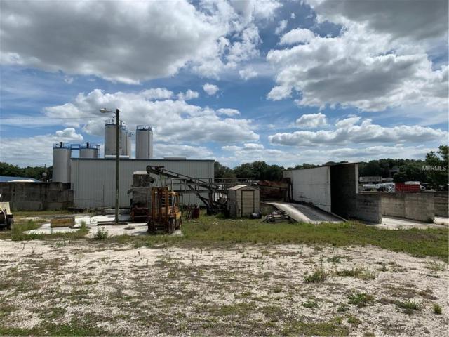 9047 Wire Road, Zephyrhills, FL 33540 (MLS #U8043805) :: The Duncan Duo Team