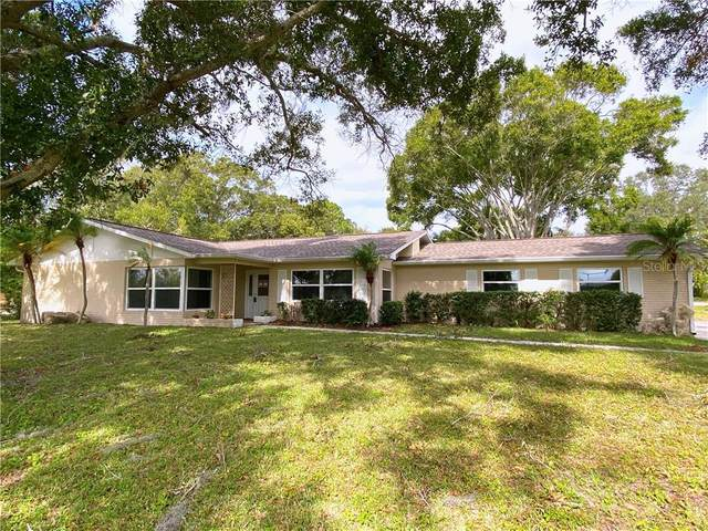 12705 Park Boulevard, Seminole, FL 33776 (MLS #U8105175) :: Young Real Estate