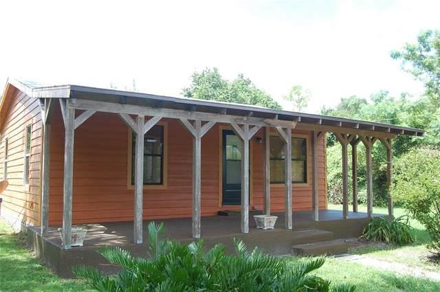 45813 Cedar Street, Paisley, FL 32767 (MLS #V4920276) :: Premium Properties Real Estate Services