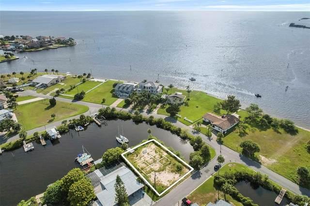 3174 Sanibel Drive Drive, Hernando Beach, FL 34607 (MLS #W7837176) :: RE/MAX Elite Realty