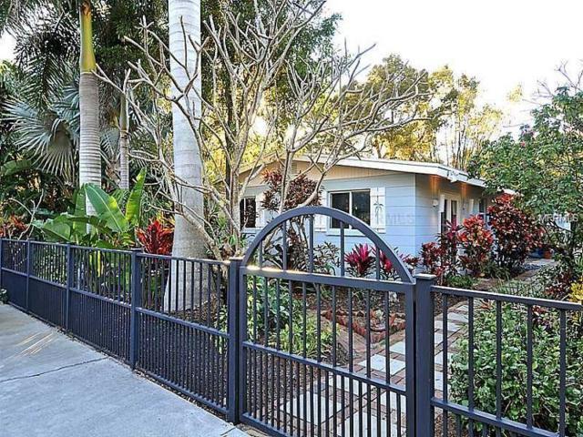 3360 Higel Avenue, Sarasota, FL 34242 (MLS #A4425128) :: Medway Realty