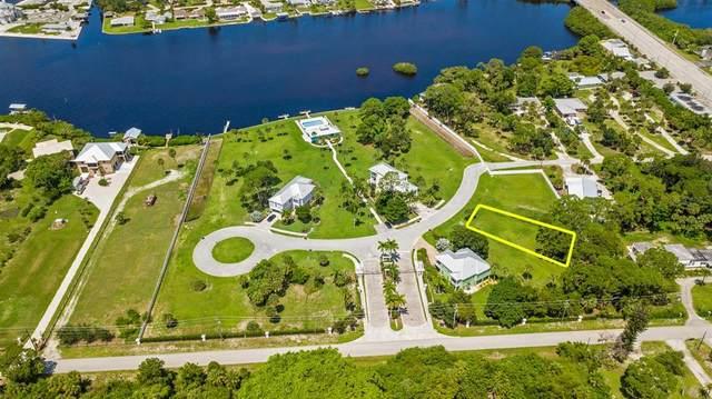 6730 Portside Lane, Englewood, FL 34223 (MLS #A4508931) :: Keller Williams Suncoast