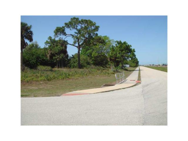 6949 Brandywine Drive, Englewood, FL 34224 (MLS #D5791995) :: The BRC Group, LLC