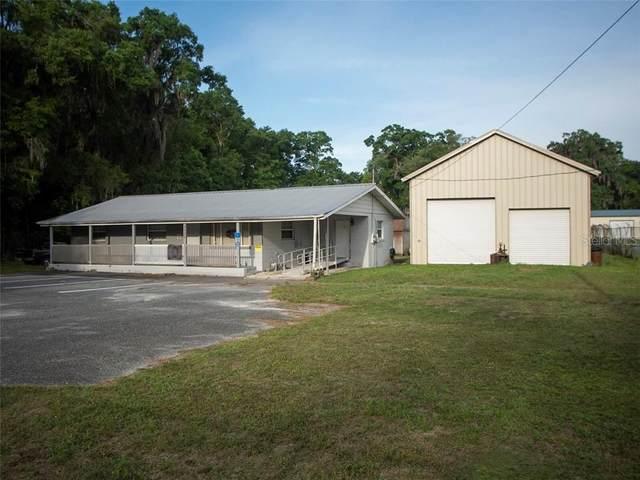 6826 NE Jacksonville Road, Ocala, FL 34479 (MLS #OM617990) :: Premier Home Experts