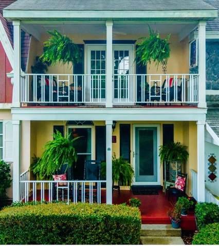 9951 SW 88 COURT Road D, Ocala, FL 34481 (MLS #OM624066) :: Tuscawilla Realty, Inc