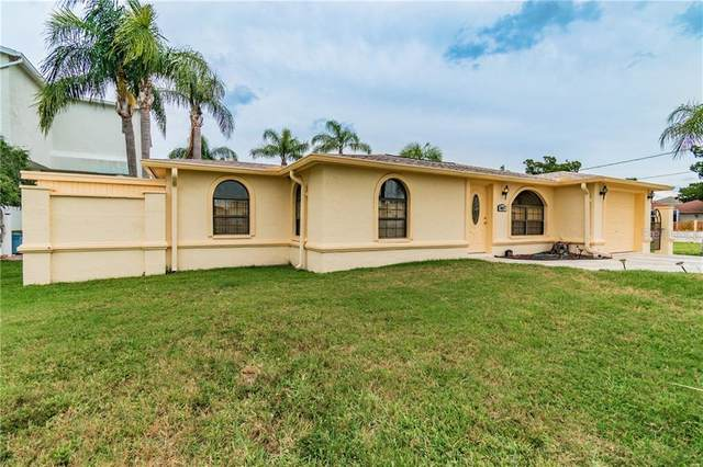 6417 Yvette Drive, Hudson, FL 34667 (MLS #T3243508) :: Delgado Home Team at Keller Williams