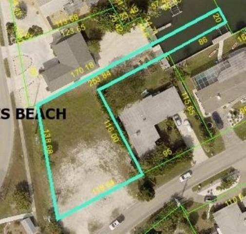 502 Key Royale Drive, Holmes Beach, FL 34217 (MLS #T3283438) :: Griffin Group
